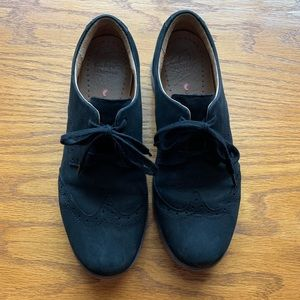 Clarks Comfort Oxford Style Shoes